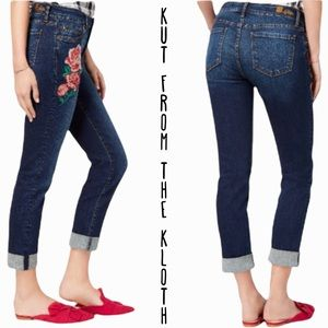 Kut from the Kloth size 10 relaxed boyfriend fit floral embroidered jeans